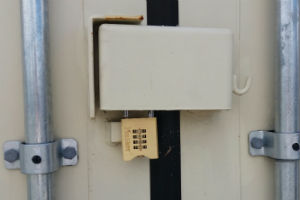 Padlock safe from bolt cutters